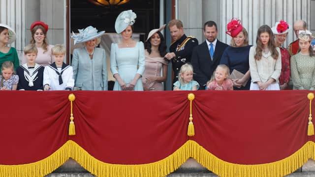 Untuk Pertama Kalinya, Meghan Markle Hadir di Balkon Buckingham Palace