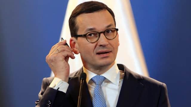 Perbaiki Hubungan dengan Uni Eropa, PM Polandia Pecat Menhan dan Menlu