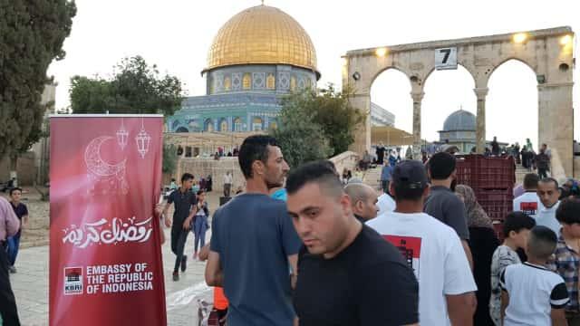Indonesia Beri 'Hadiah' Buka Puasa Untuk Warga Palestina di Yerusalem