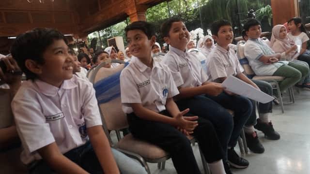 Keseruan Puluhan Pelajar SD Menengok Isi Rumah BJ Habibie