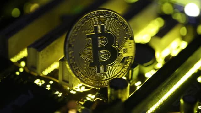 Masuk Pasar Berjangka, Harga Bitcoin Melejit Lampaui USD 18.000