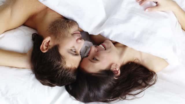 7 Hal Normal yang Bisa Terjadi Setelah Melakukan Hubungan Seks