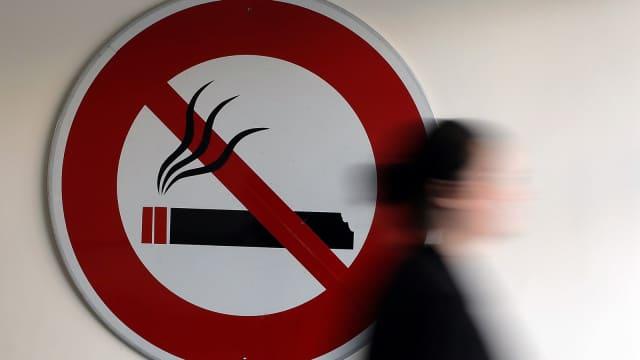 Malaysia Berlakukan Larangan Merokok di Restoran dan Kedai Kopi