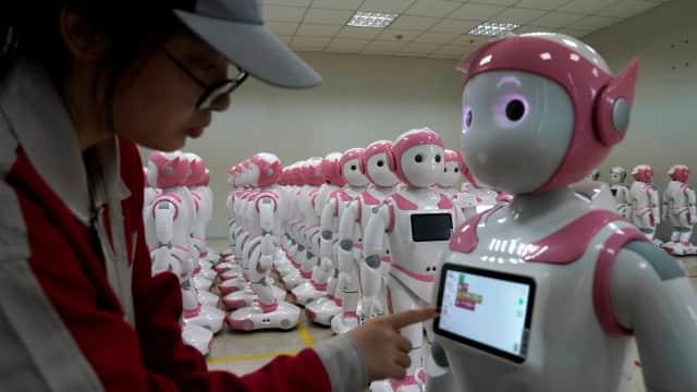 Candaan Sri Mulyani ke Mahasiswa Magister UGM: Robot Akan Dipajaki