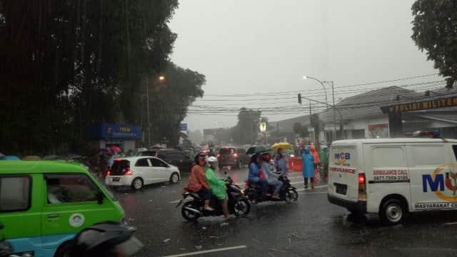 BMKG: Atmosfer Sedang Labil, Waspada Cuaca Ekstrem 3 Hari ke Depan