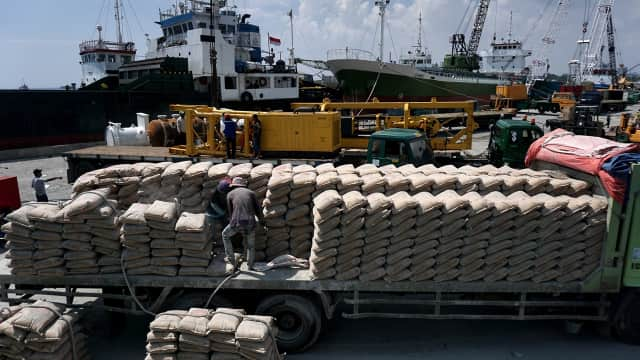 Tekan Harga Semen di Indonesia Timur, Pelni Siapkan Kapal Logistik