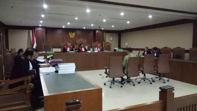 Eks Kadis Bina Marga Lampung Tengah Dituntut 2,5 Tahun Penjara