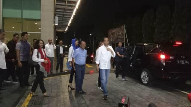 Rapat 2 Jam, Jokowi Minta Timsesnya Tak Lakukan Politik Kebohongan