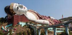 Megahnya Patung Buddha Tidur dari Myanmar