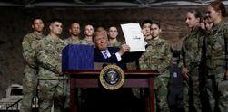 Trump Teken UU Pertahanan AS yang Larang Pakai Produk ZTE dan Huawei