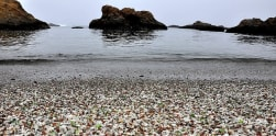 Glass Beach, Pantai Unik dengan Pasir 'Kaca' di California