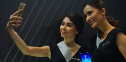Merasakan Kamera Selfie Ganda Samsung Galaxy A8 dan A8 Plus