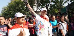 Serunya Arak-arakan Aries Susanti Keliling Kota Solo