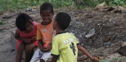 Senyuman Manis Anak-anak Pulau Terluar di Indonesia