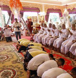 Bersyukur dengan Menjadi Biksu