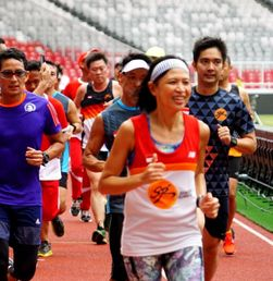 Lari Pagi Perdana Sandi di SUGBK