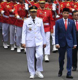 Jokowi Lantik Gubernur NTB Zulkieflimansyah Pengganti TGB