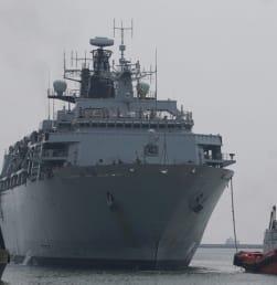 Kapal Perang Inggris Bertandang ke Indonesia