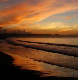 Panorama Surya Tenggelam di Pantai Pangandaran
