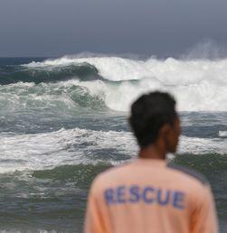 Dampak Gelombang Tinggi di Beberapa Daerah Indonesia
