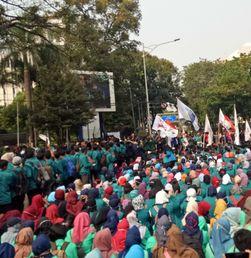 Aksi BEM se-Jabodetabek Memprotes Pelemahan Rupiah