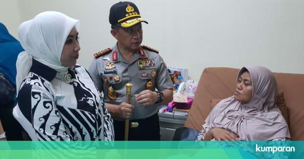 Jenguk 4 Anggota Densus 88 yang Terluka, Tito Jamin Biaya Pengobatan - kumparan